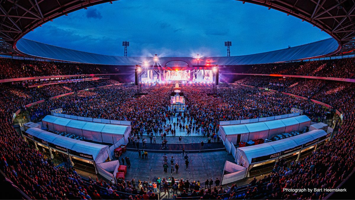 A Quarter Of A Million Fans Enjoy Dutch Superstar Marco Borsato S Stadium Shows Aided By Yamaha S Rivage Pm7 Yamaha Other European Countries