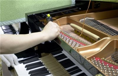 Tuning while pressing a key
